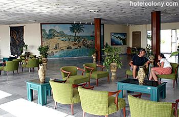 Hotel El Colony Lobby